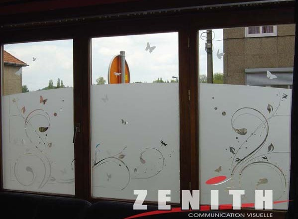 Zenith communication visuelle osez la diff rence for Decoration vitres fenetres